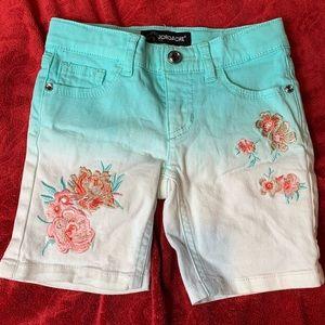 Jordache hombre aqua and white embroidered shorts